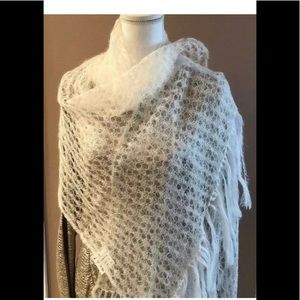 Accessories - NWT Traditional Russian Shawl hand-knitted wool